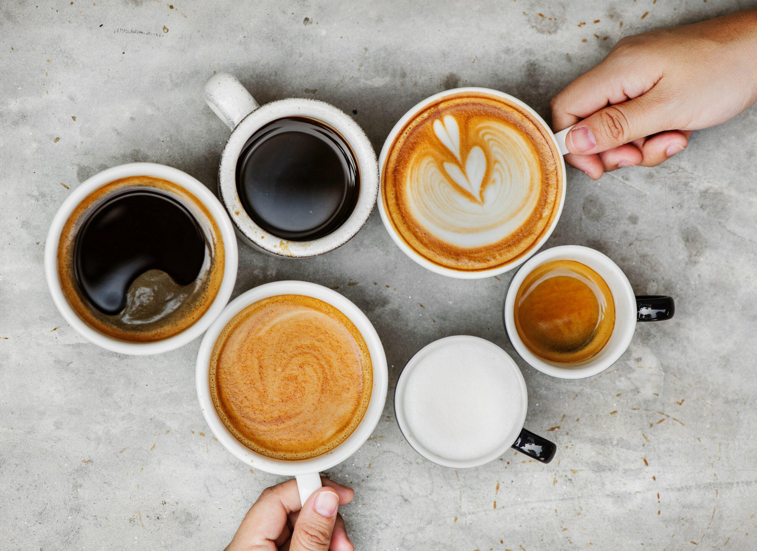 Americano, lungo, cappuccino… Vyznáte se v kávových nápojích?